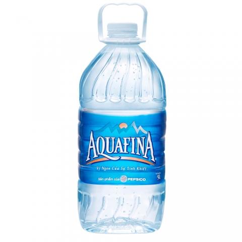 Thùng nước Aquafina 5l có giá 95.000đ/thùng 4 chai