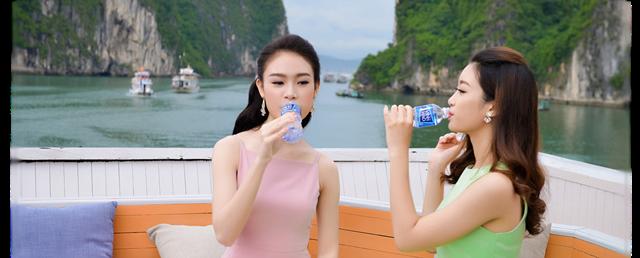 Dùng nước uống kiềm đóng chai chống lão hóa và loại bỏ các gốc tự do nguy hiểm