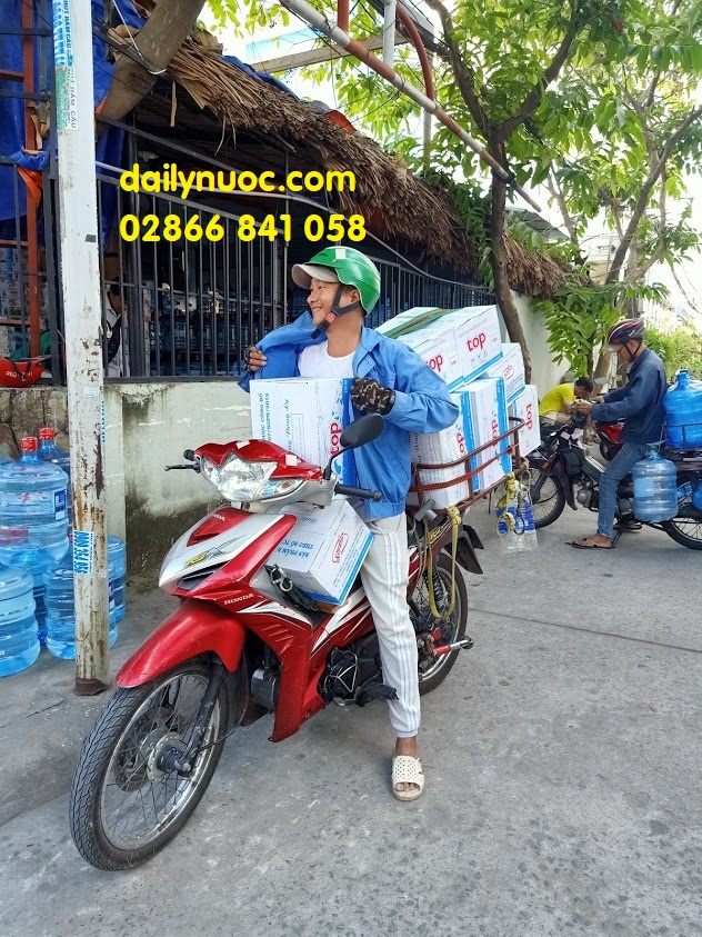Dịch giao nước uống văn phòng tận nơi tại Tp.HCM