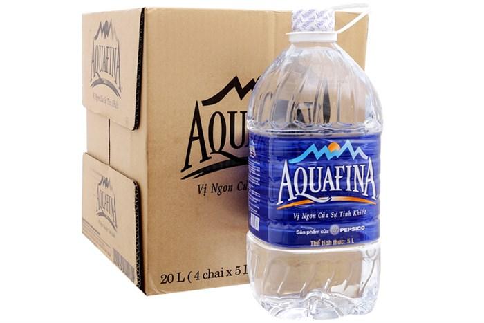 Bình nước Aquafina 5l thùng 4 bình có giá 95.000đ/thùng